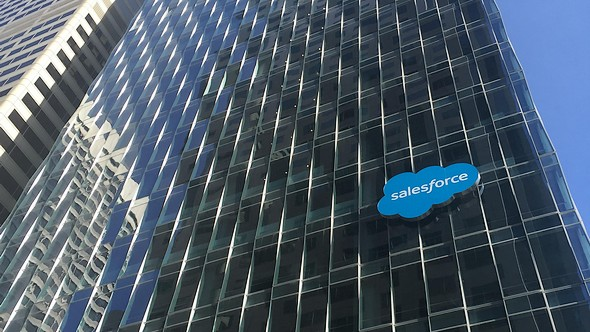 Salesforce showt intelligent serviceplatform
